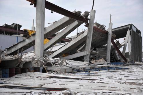 Terremoto Emilia crolli capannoni perchè crollano